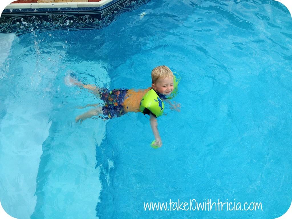 Henry-swimming