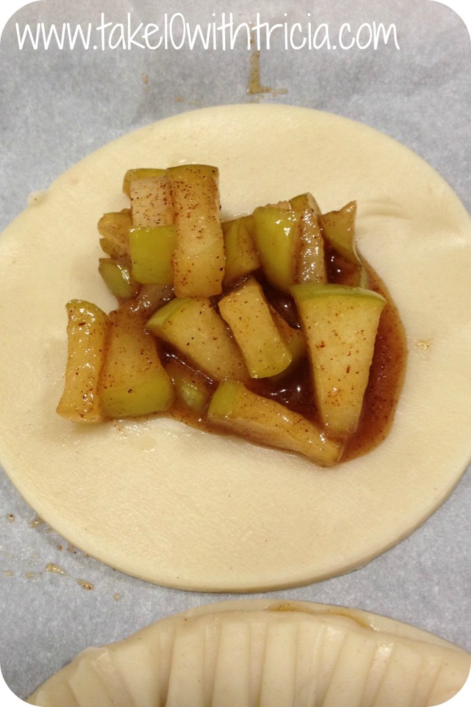 apple-hand-pie-cooked-apples-in-dough