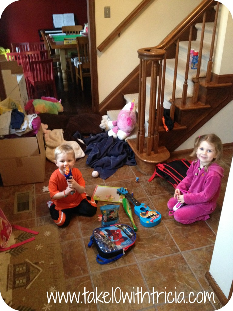 kid-clutter-foyer
