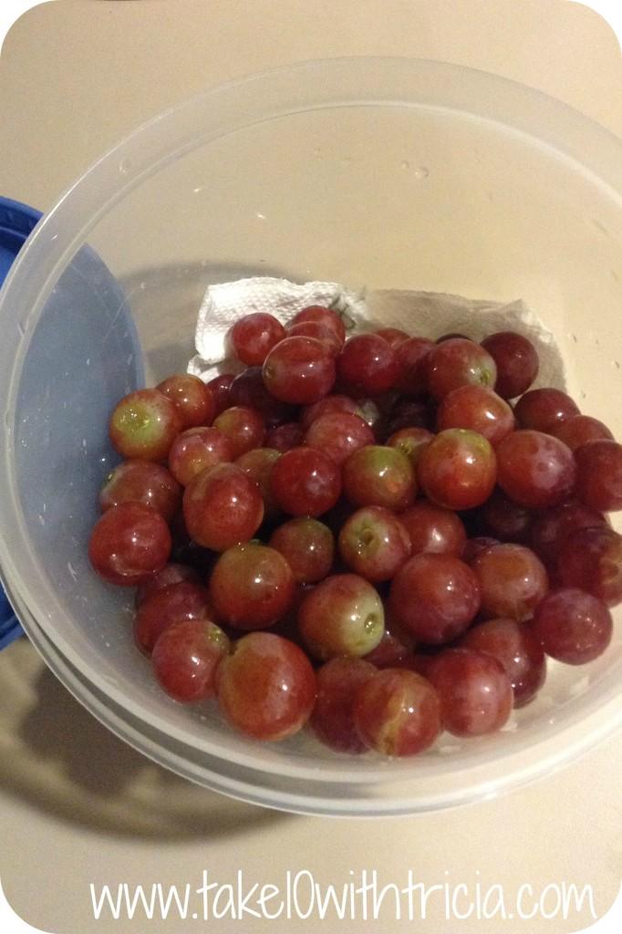grapes-in-tupperware