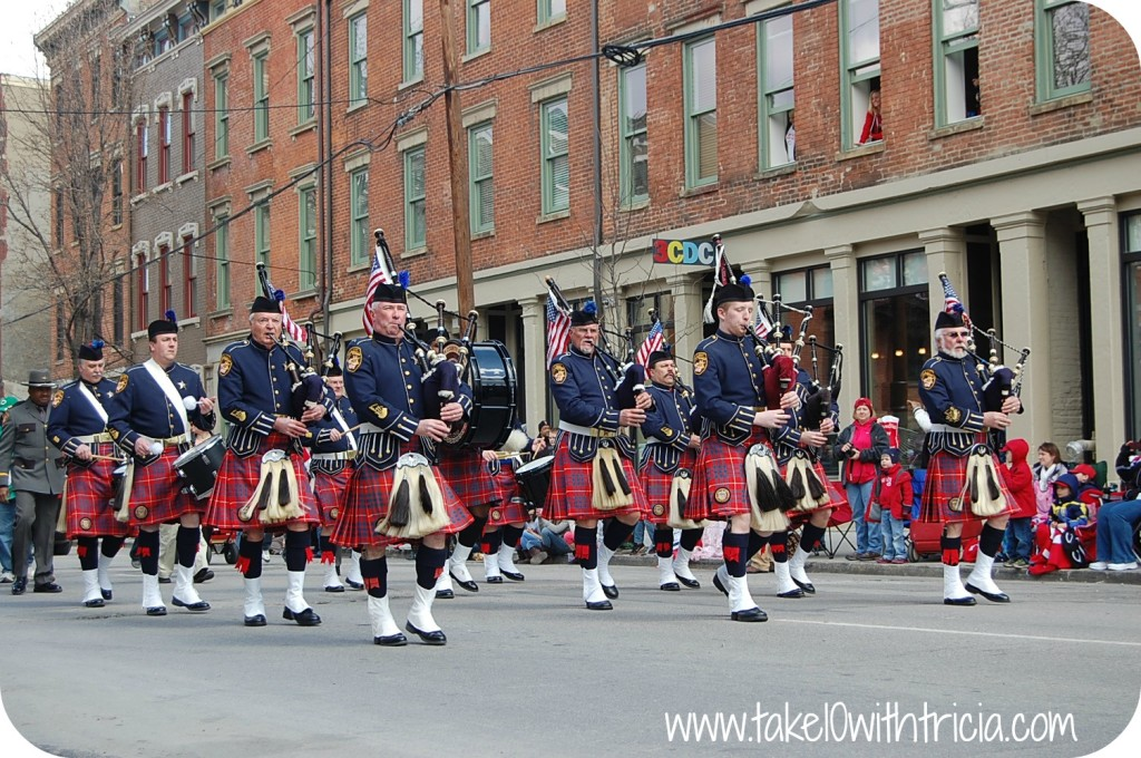 reds-opening-day-parade-bagpipes