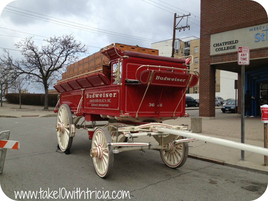 reds-opening-day-parade-budweiser-wagon