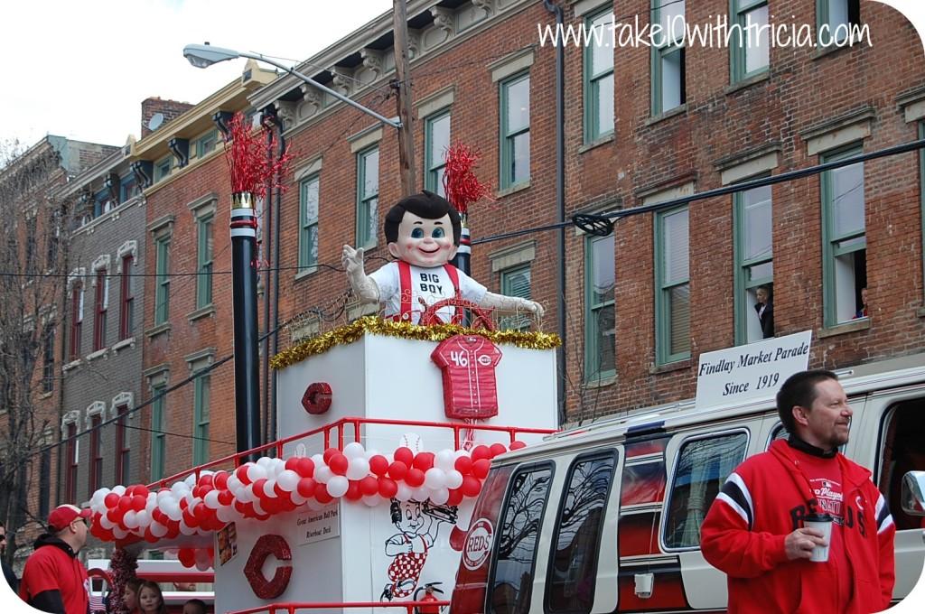 reds-opening-day-parade-frischs-big-boy