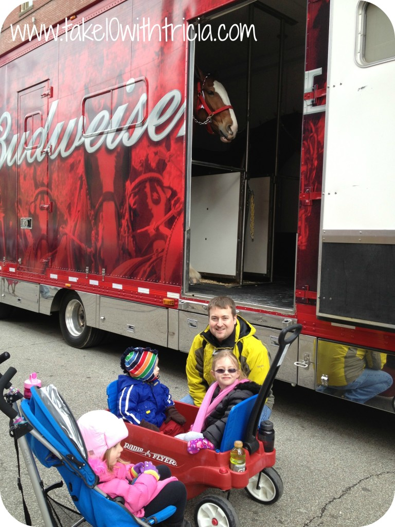 reds-opening-day-parade-kids-clydesdales