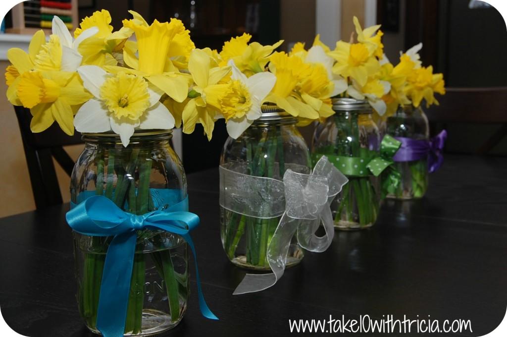 daffodils-in-mason-jar (1)