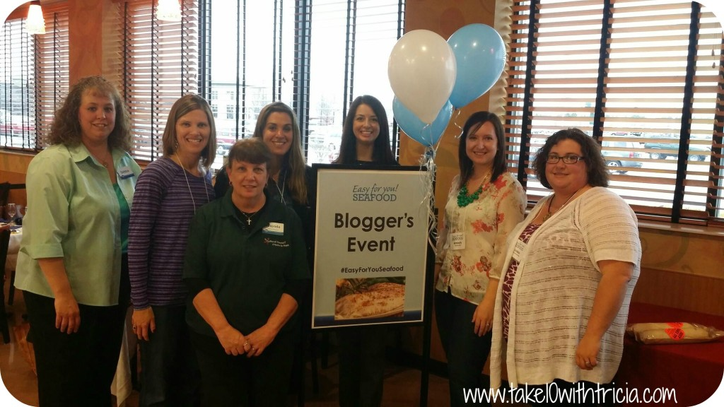kroger-easy-for-you-seafood-blogger-event-group-photo