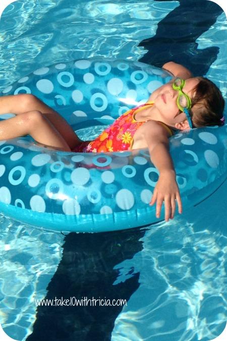 Charlotte-pool-raft