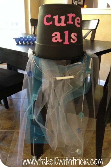 ice-bucket-challenge-costume-bucket