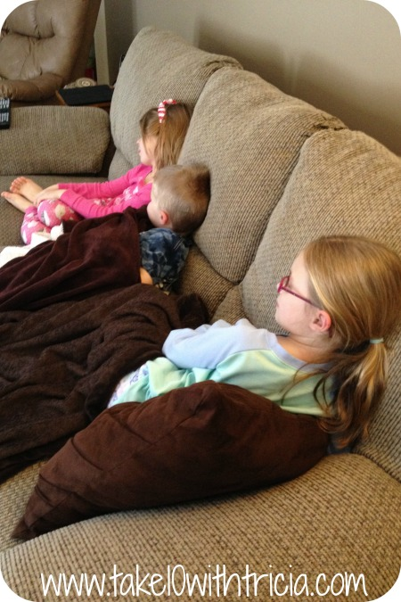 kids-watching-tv-2