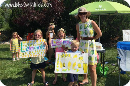 Neighborhood-lemonade-stand-3
