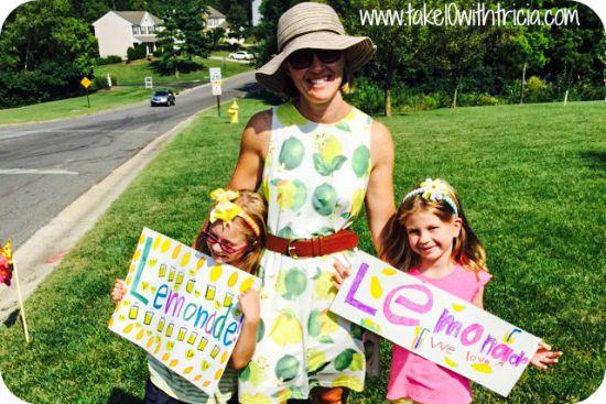 Neighborhood-lemonade-stand-4