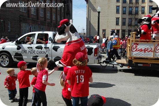 Red Opening Day Parade 2015 Reds-opening-day-parade